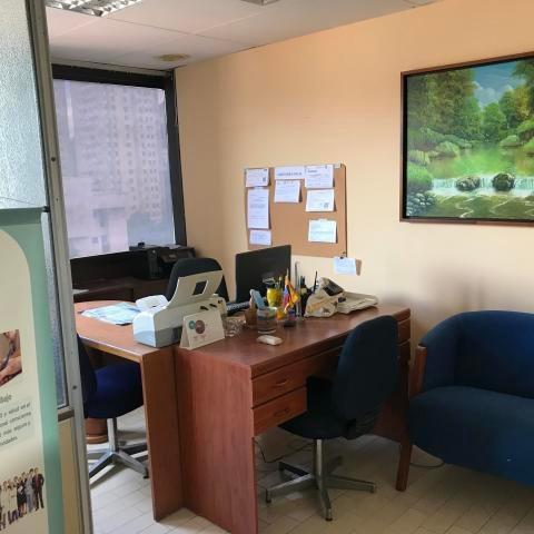 Oficina En Venta El Paraiso/ Código 20-3678/ Helen R