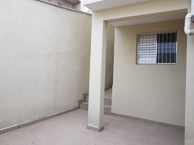 Casa De 03 Cômodos Semi Independente No Jd. Veloso - 11294