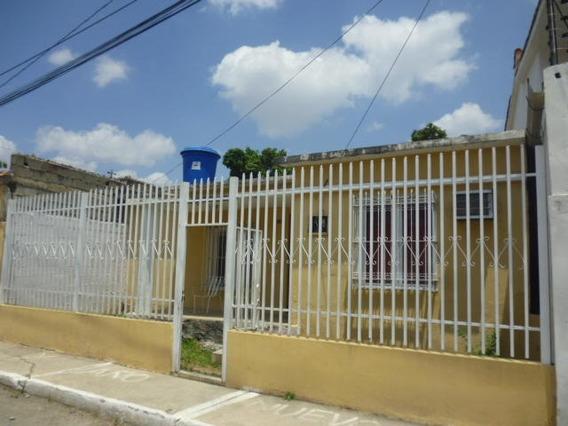 Casa En Venta Zona Oeste Barquisimeto Lara 20-18254