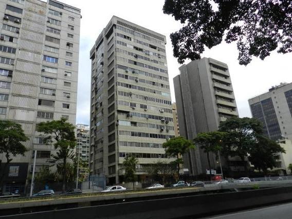 Comodo Y Practico Consultorio Medico En Venta, Av Libertador