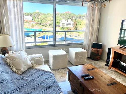 Amplio Apartamento En Excelente Complejo Con +amenities En Playa Mansa- Ref: 30883