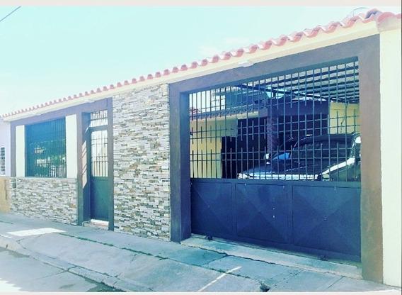 Lilia Duran Casa En Urb. Buenaventura, Paraparal