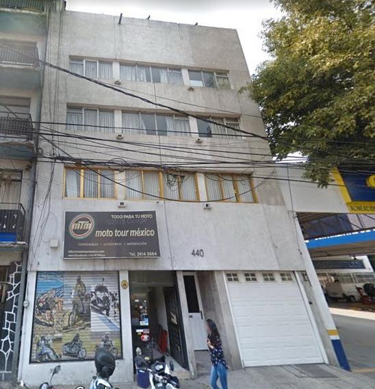 Casa En Venta De Remate Bancario En Av. Patriotismo