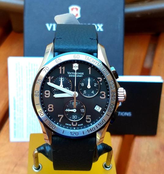 Maravilhoso Relógio Victorinox Swiss Army Classic 241403.1