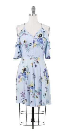 Vestido Corto Floral, Cut Shoulders, Con Botones En Escote.