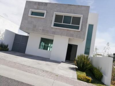 Casa En Renta Con Amplio Jardïn Refugio $17,000 El Refugio