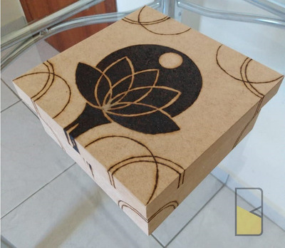 Caixa (16x16 Livre) Customizada A Sua Escolha. (pyrografia)
