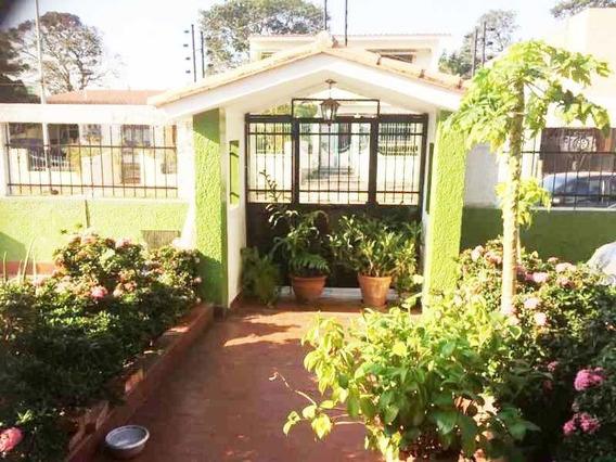 Casa En La Urb. La Trigaleña. Valencia. Cod: Atc-384