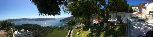 3 Villas En Venta En Lomas Del Marques, Con Jardin, Albercas