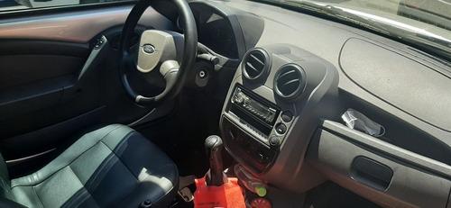 Imagem 1 de 8 de Ford Ka
