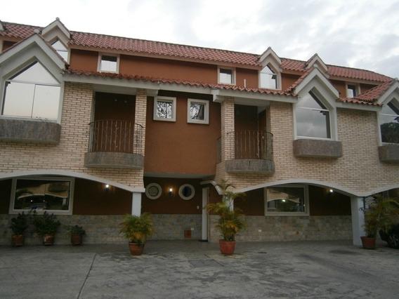 Townhouse En Venta 04144476119