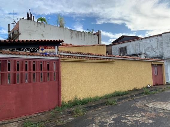 Casa Sector Rio Negro, Conjunto Resd. Los Bucares