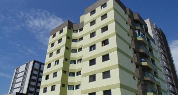 Apartamentos - 3 Dormitórios - 632