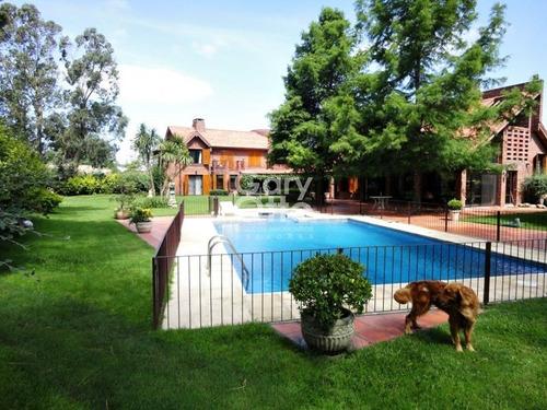 Casa En Venta Y Alquiler Temporario Punta Del Este 7 Dormitorios O Mas- Ref: 996