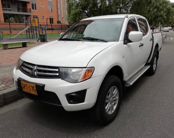 Mitsubishi, L200, 2011, Blanco, 4 Puertas, Único Dueño