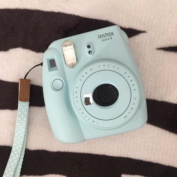 Instax Mini 9 + Case Cinza + 20 Fotos