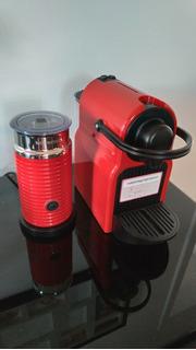 Cafeteira Nespresso Inissia + Aeroccino Vermelha