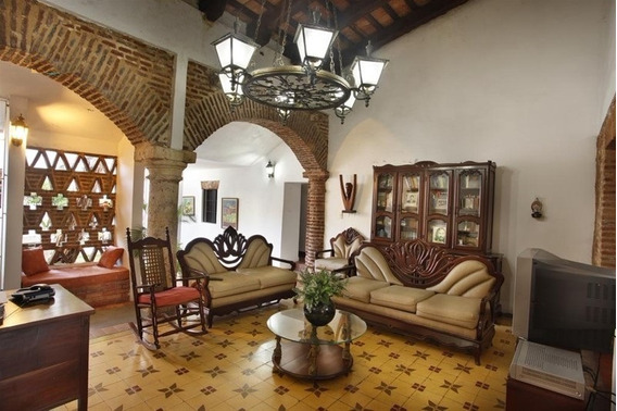 Zona Colonial Casa Del Sigo Xvi, 6habs. Patio, Área Amplias