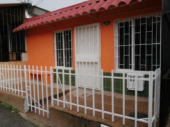 Se Vende Linda Casa En Bosques De Pinares-armenia Quindio
