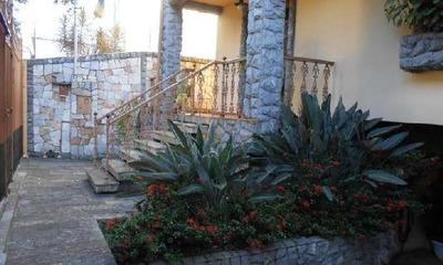 Excelente Casa Colonial Com 5 Quartos, 3 Suítes, Piscina.