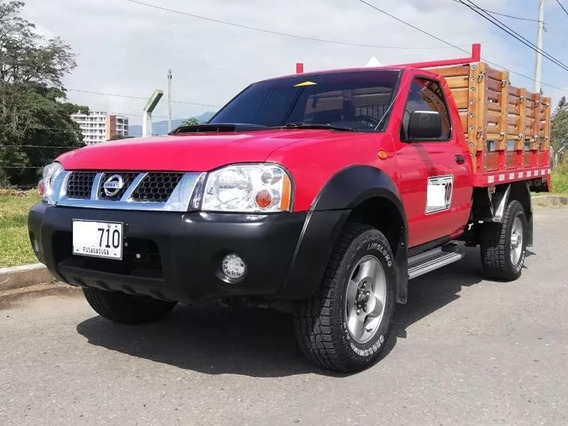 Vendo Hermosa Nissan Camioneta De Estacas