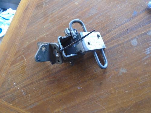 Vendo Bisagra Delantera Derecha Inferior De Mg, Mg6, 2012