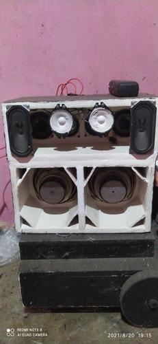 Imagem 1 de 3 de Mine Caixa De Som. Falta Só Módulo E Toca Cd E Fonte