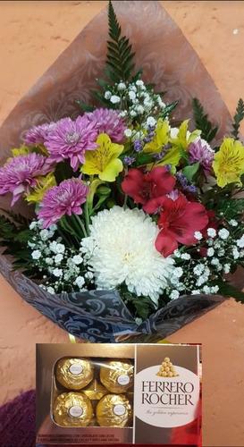 Floreria  Ramo De Rosas ( Flores Variadas) Y Bombones De 8