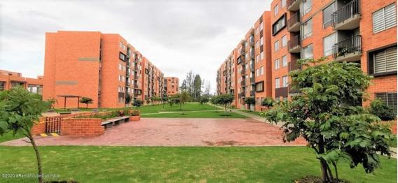 Apartamento En Venta En Madrid 20-1356 C.o