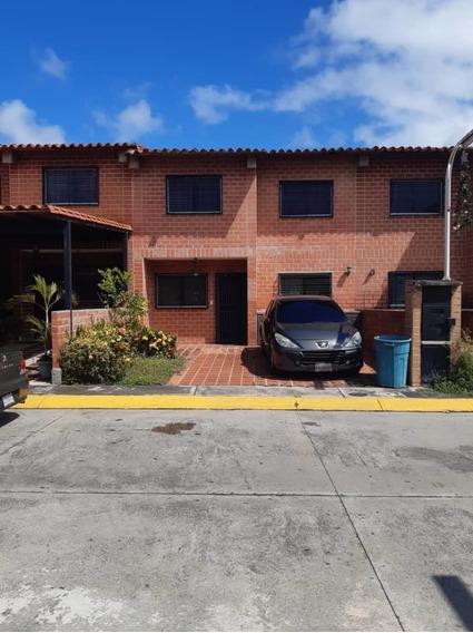 Town House Villas Del Este Guatire