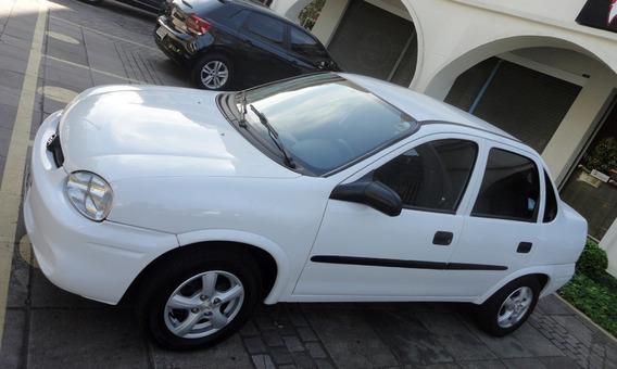 Chevrolet Corsa 1.6 Mpfi Classic Sedan 8v Gasolina 4p