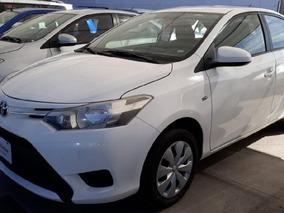 Toyota Yaris 2017 4p Sedán Core L4/1.5l Aut