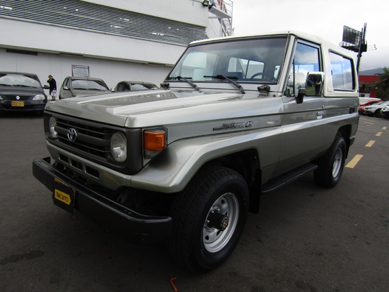 Toyota Land Cruiser 4.5 Mt 4500cc 4x4