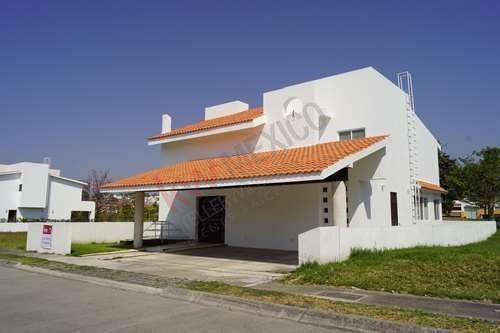 Casa En Venta Fraccionamiento Country Club - Morelos