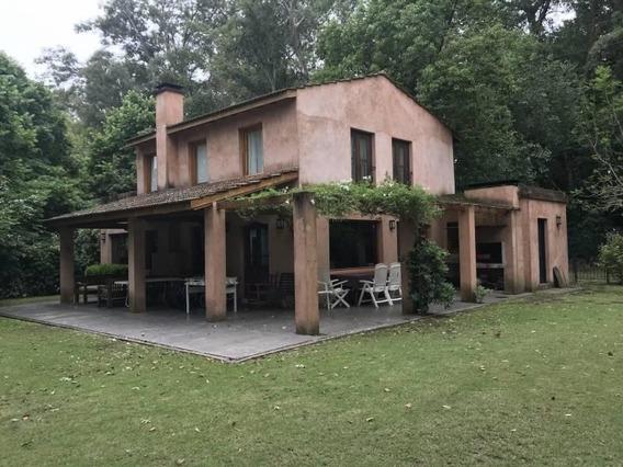 Muy Linda Casa En Venta En Martindale Country Club ,pilar. Añeja Arboleda.