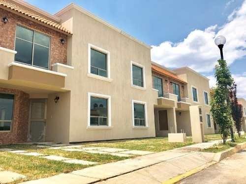 Casa Sola En Venta Privada En Colonia San Antonio, Excelentes Acabados