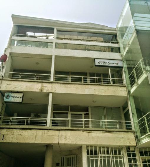Ohr17 Edificio Comercial Ubicado En La Zona De Alto Impacto