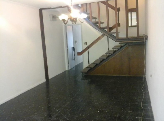Alquiler Casa En Pérez Castellanos. 2 Dormitorios. Cochera