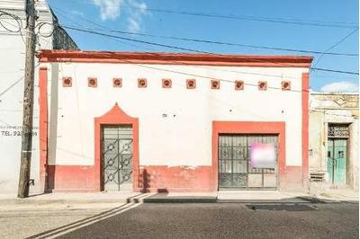 Casa En El Centro De Merida, Para Vivienda-hotel (tiene 8 Habitaciones