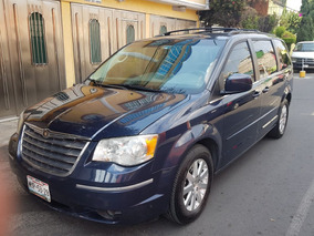 Chrysler Town & Country Tres Pantallas, Rin 17 Lujo