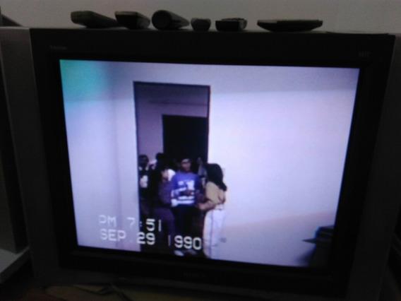 Tv Sony Xbr 800 Rara Para Retrogamers (canto Magnetizado)