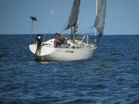 Velero Miura 25 Pies . Impecable & Navegando A Pleno Mar ...