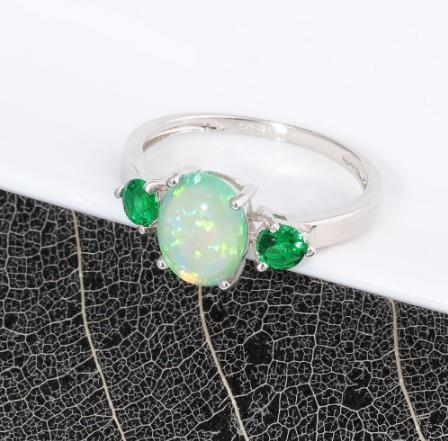 Anel Com Pedra Opala De Fogo Verde