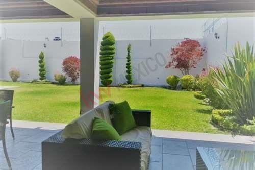 Casa De Un Piso Con Jardín En Las Rosas, Gómez Palacio, Durango