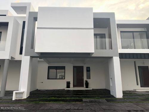 Casa En Venta En Zibata, El Marques, Rah-mx-20-719