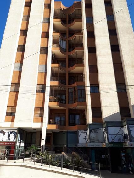 Departamento En Venta - 3 Dormitorios - V. Sarsfield 200