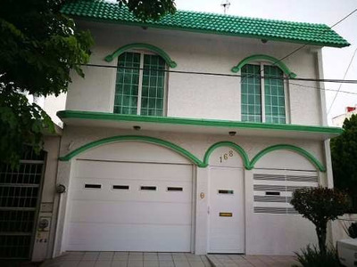 Casa De Dos Niveles, Fracc. Jardines De Virginia, Boca Del Rio-ver.