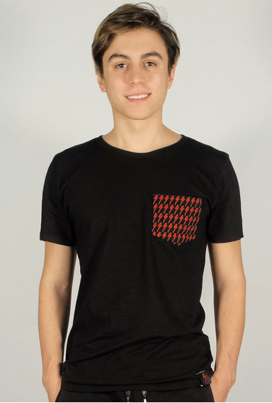 Remera Negra Jersey Magas Cortas Bolsillo Con Logo Speed