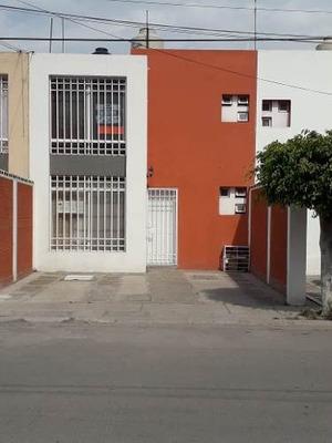 Renta De Casa Amueblada, Muy Cerca De Plaza Sendero