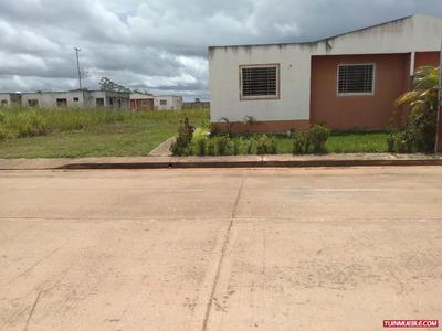 Casas En Venta Urb. Villas De La Laguna 2